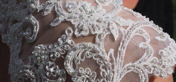Different Styles of Lace Wedding Dress